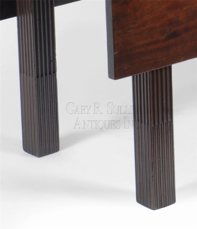antique Newport drop leaf dining table detail
