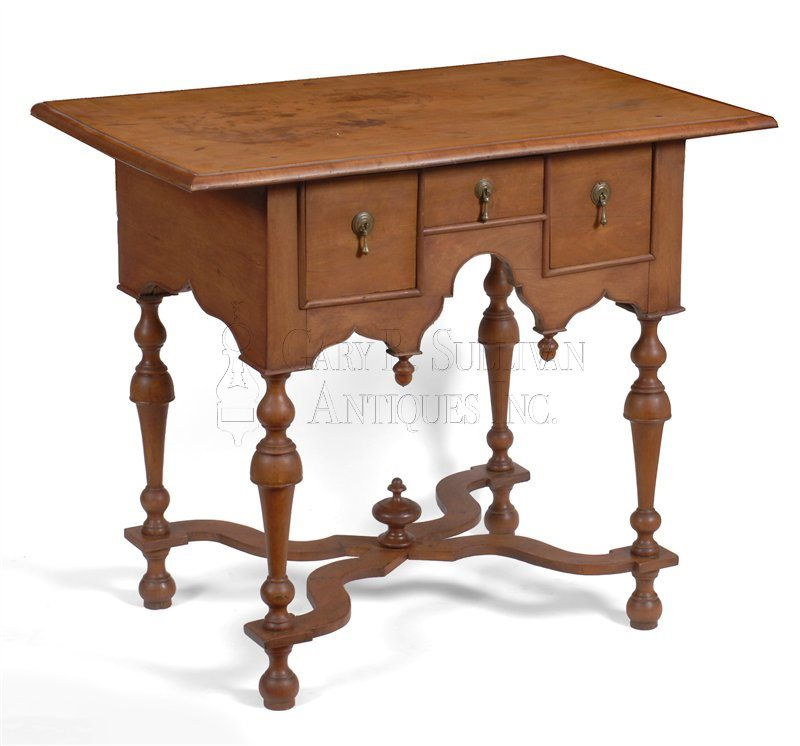 William & Mary antique dressing table