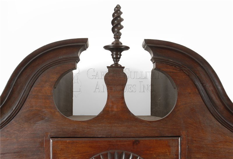 Boston Queen Anne high chest bonnet