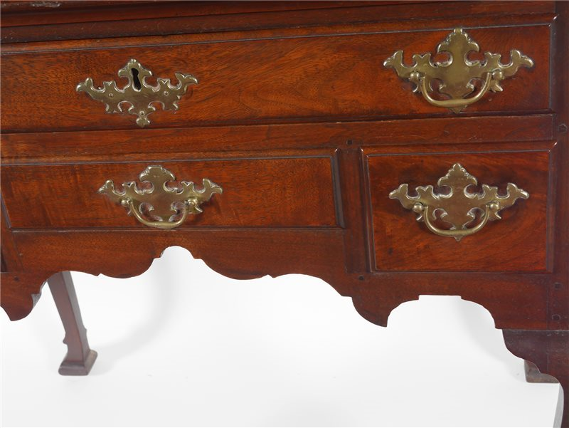 Queen Anne lowboy detail
