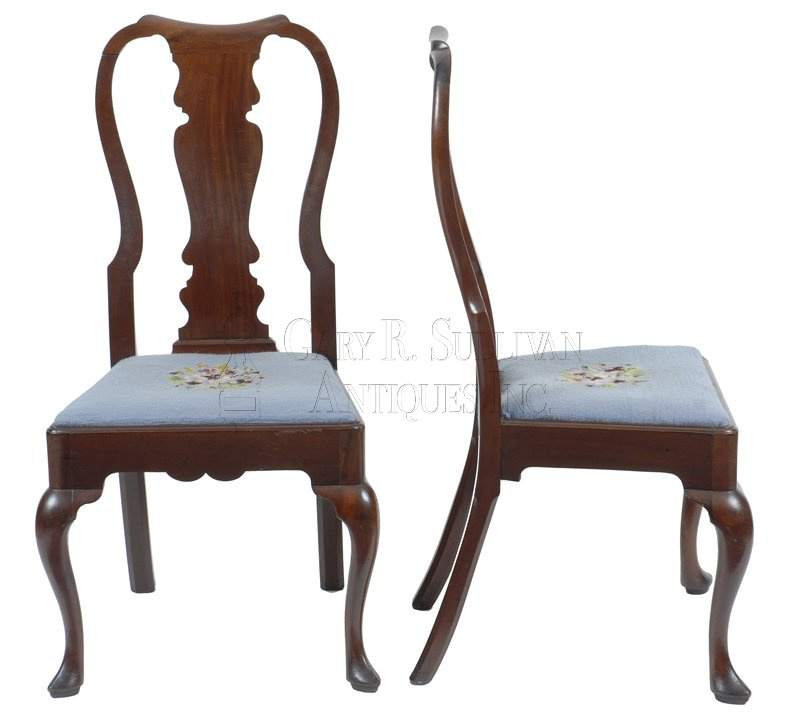 antique Chippendale dining chairs - Pair Of Chippendale Dining Chairs, Newport, RI - Clocks 007038