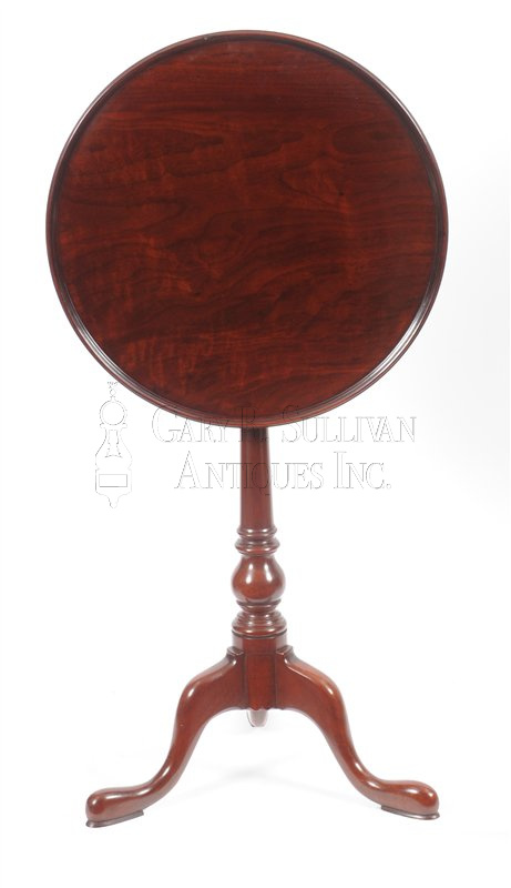 The Johnson family tea table - Queen Anne Walnut Candle Stand, (Philadelphia, PA) - Furniture 14060