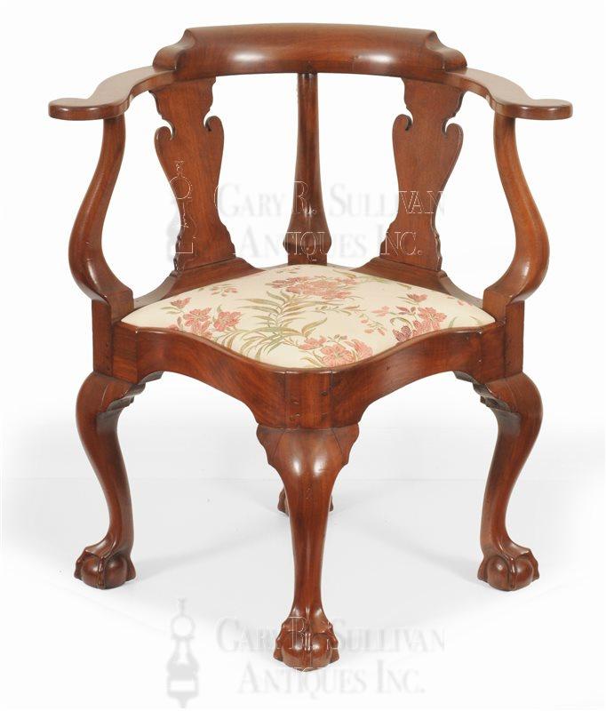 New York corner chair - Chippendale Walnut Corner Chair, (New York, NY) - Furniture 15095
